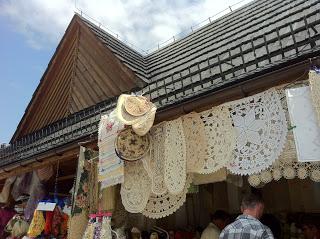 ポーランドザコパネ観光メインストリートケーブルカー伝統造りの家