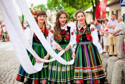ポーランドワルシャワ観光おすすめブログ民族衣装ウォヴィチ