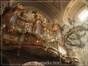 ワルシャワ観光おすすめ聖アンナ教会旧市街
