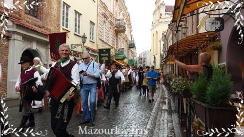 リトアニアヴィリニュス観光ポーランドガイドワルシャワ旅行