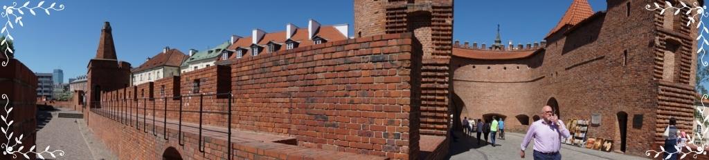 ワルシャワ旧市街建物バルバカン城壁