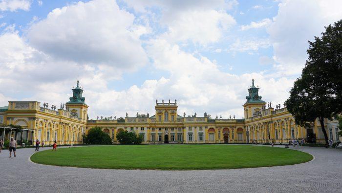 ワルシャワ観光おすすめヴィラヌフ宮殿